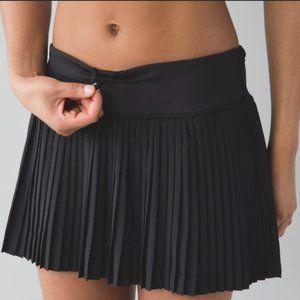 Lululemon black Pleat to the Street ll  skirt  6